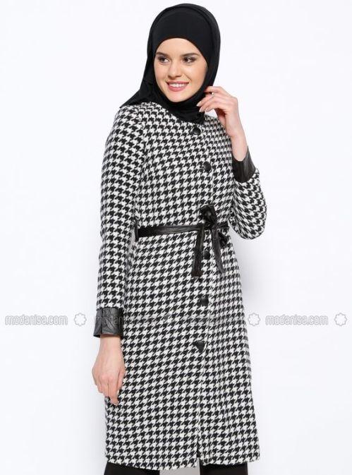 houndstooth hijab coat inspo.jpg